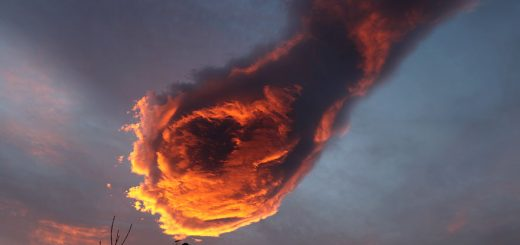 unusual-cloud-formation-fist-hand-of-god-portugal-3