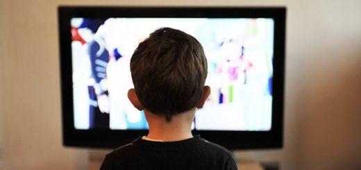 copil si TV