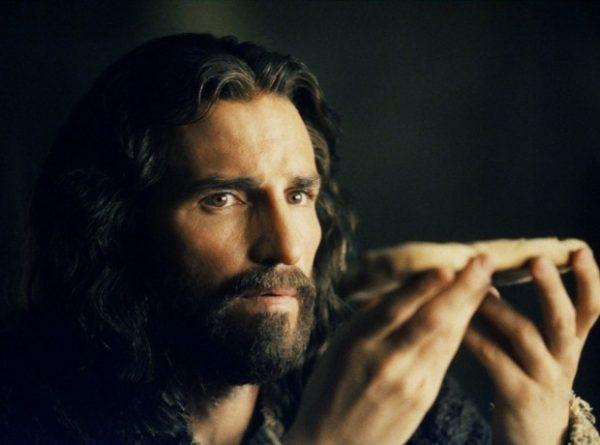 jim-caviezel-passion-of-the-christ-620x460