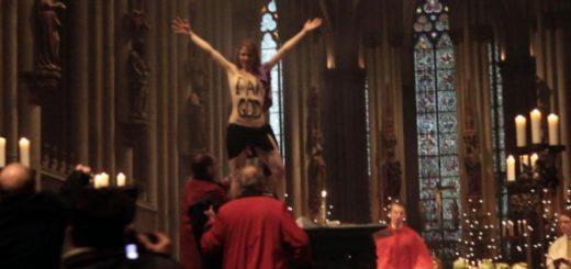 Femen-protest-biserica-Germania-590x369