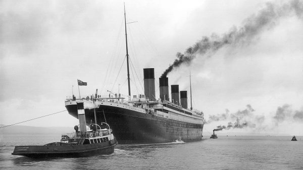 RMS_Titanic_16x9