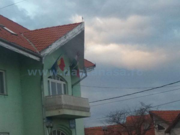drapel-Ungaria-primaria-madaras-UDMR-15-februarie-2016