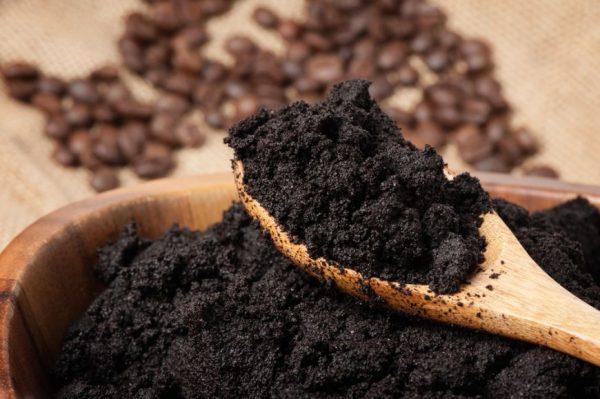 nu-arunca-zatul-de-cafea-5-feluri-in-care-iti-este-util_size1