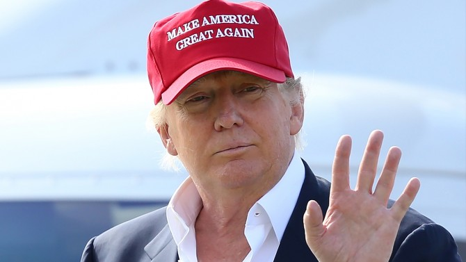 trump-with-hat