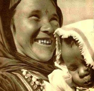 mama-si-fiica-cu-semnul-crucii-in-frunte