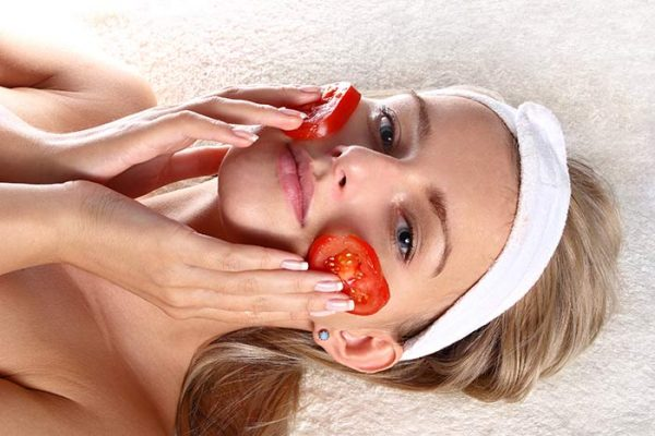 woman-with-fresh-tomatoes-mask