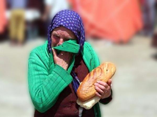 saracie-lacrimi-pe-o-bucata-de-paine