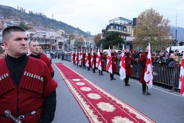 100000-de-georgieni