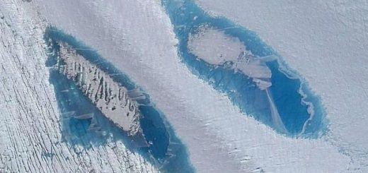 mii-de-ciudate-lacuri-albastre-au-aparut-in-antarctica