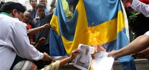 burning-swedish-flag