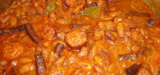 fasole-cu-carnati
