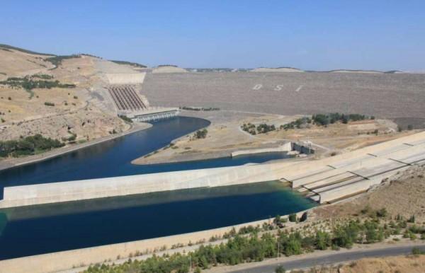 ataturk-dam-turkey-euphrates-river-600x386