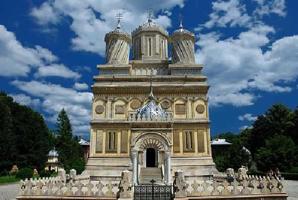 manastirea-curtea-de-arges-11