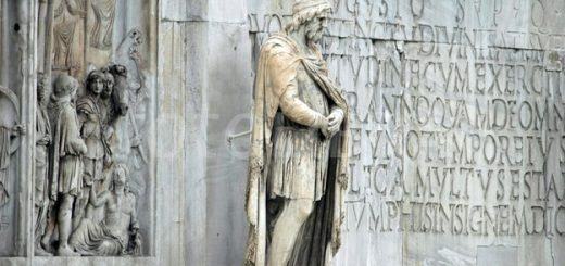 Statue on the Arch of Constantine