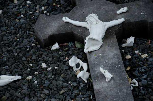 broken-cross