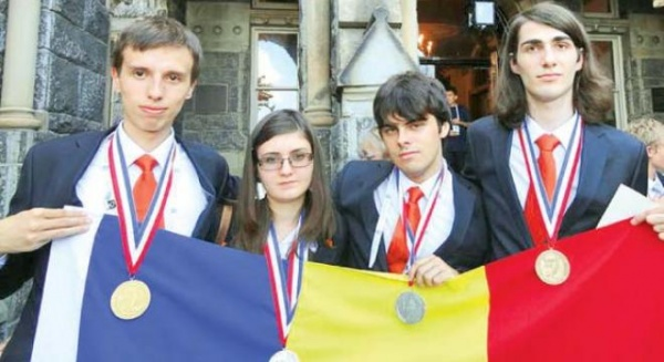 elevi-olimpici